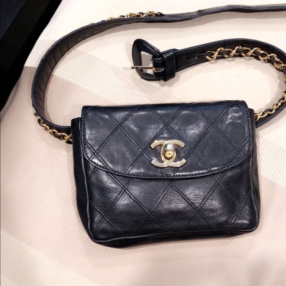 d6f27cdf7f10 CHANEL Accessories - Vintage Chanel quilted fanny pack